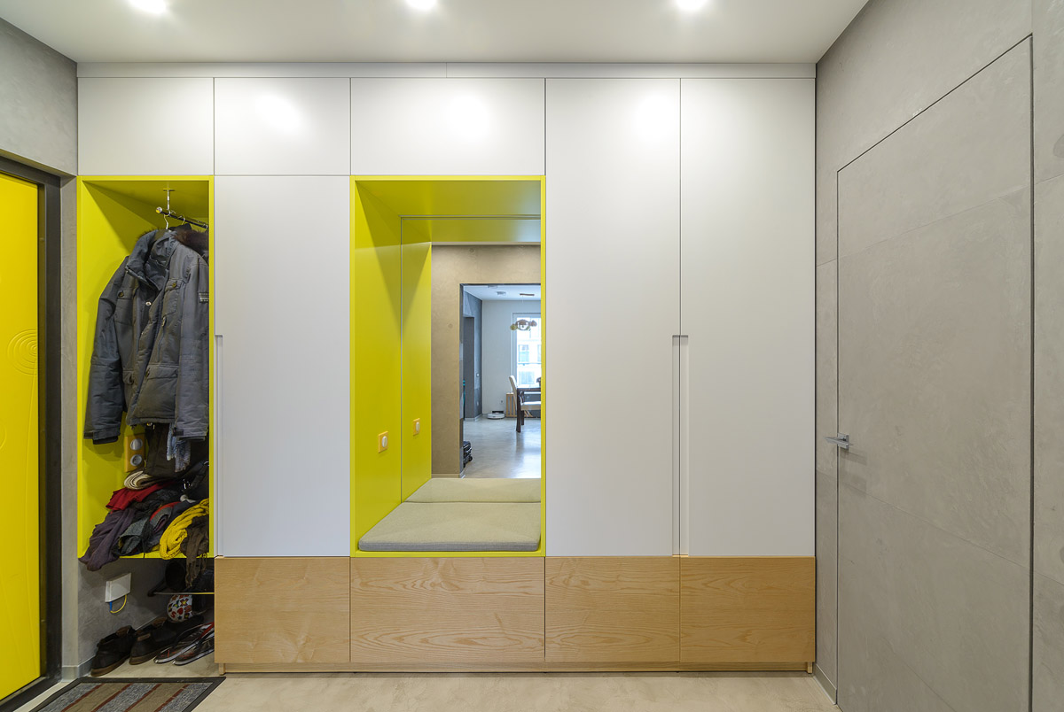 Шкафы гардеробные, прихожие